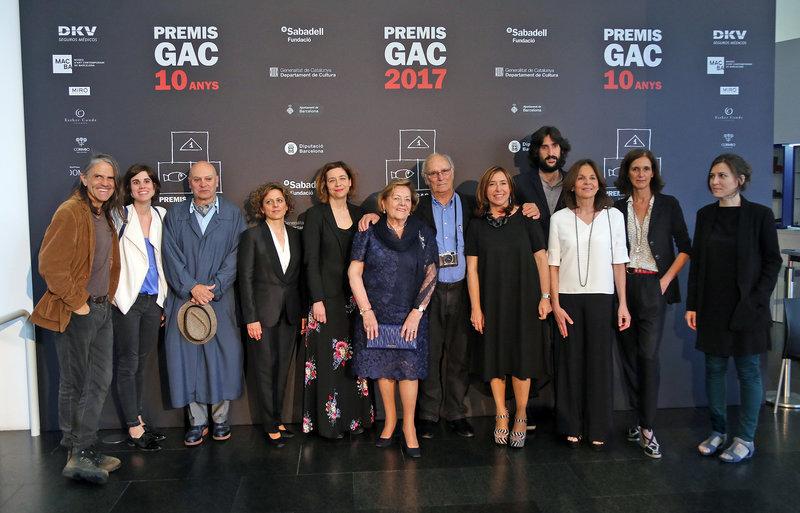 Barcelona. Foto de familia de tots els guanyadors dels Premis GAC. Al Macba. BCN.